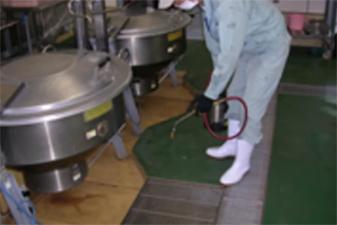 学校の給食室 残留噴霧処理施工